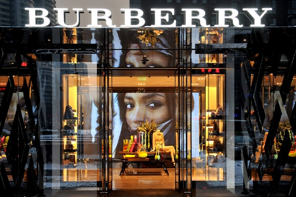Digital et marque de luxe, comment le Web révolutionne leur activité ?